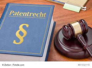 Foto Gesetzbuch mit Richterhammer - Patentrecht