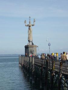 Imperia in der Konstanzer Hafeneinfahrt